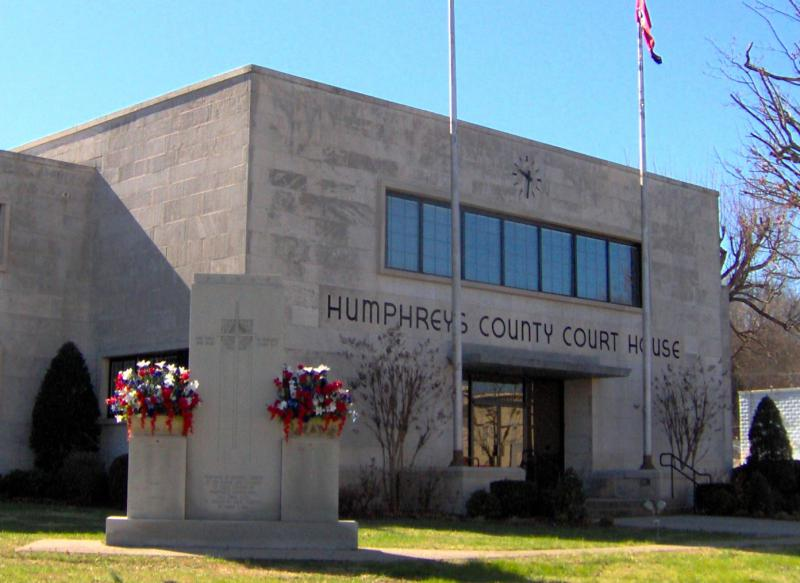 Humphreys-county-courthouse-tn1